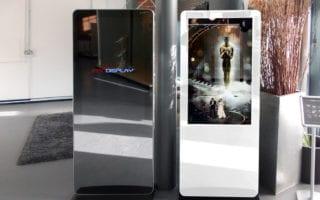 digital signage advertising kiosk hotel receptions