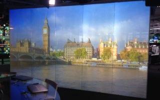 intellegent glass projection screen