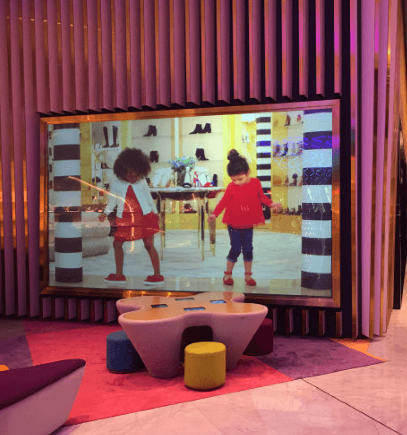custom retail product displays projection screen