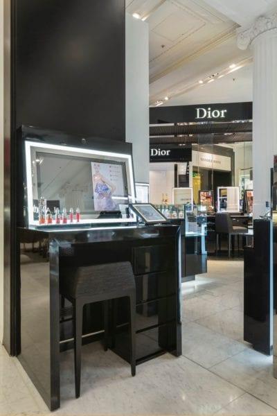 mirror advertising screen retail stores